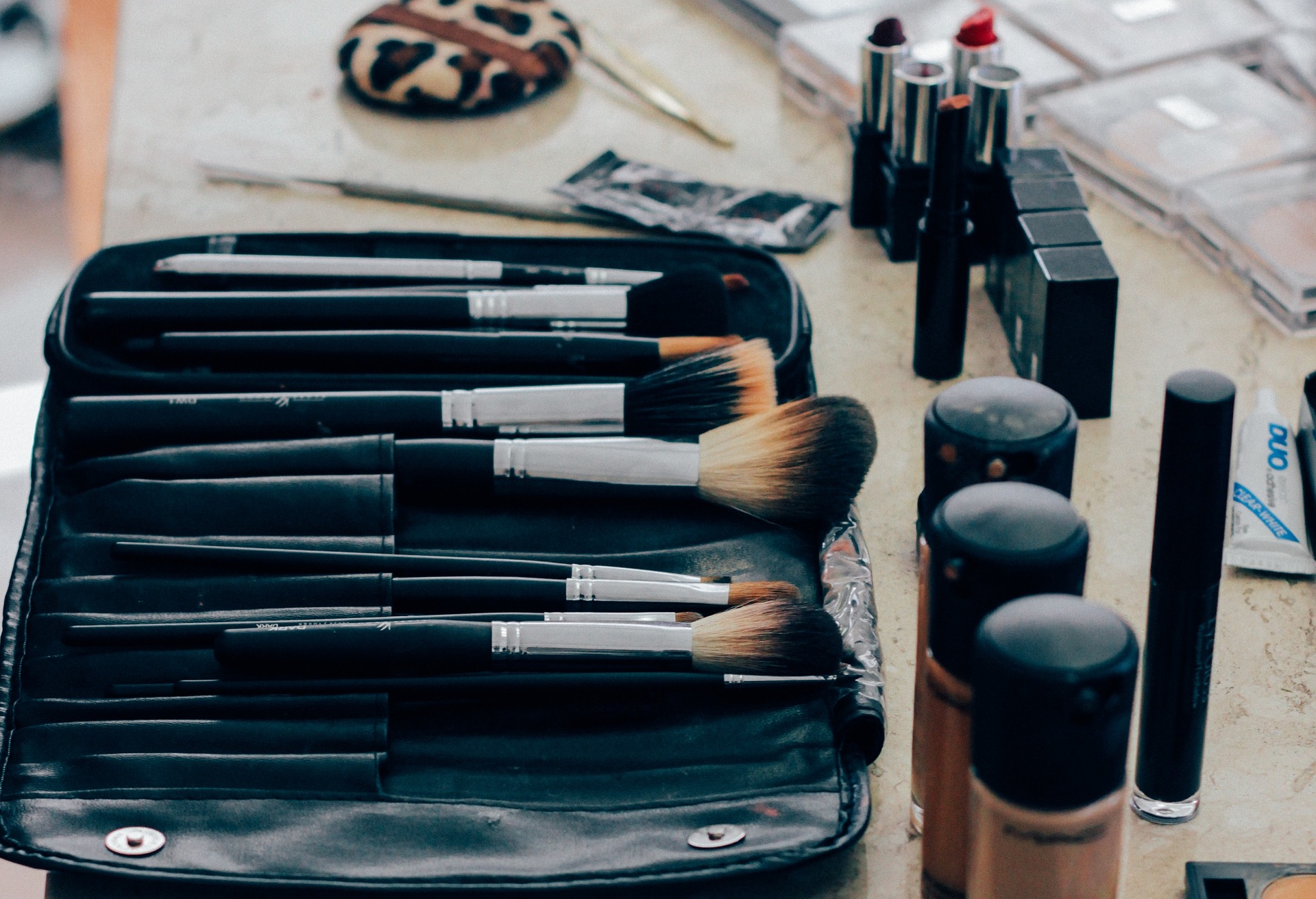 natural makeup brushes